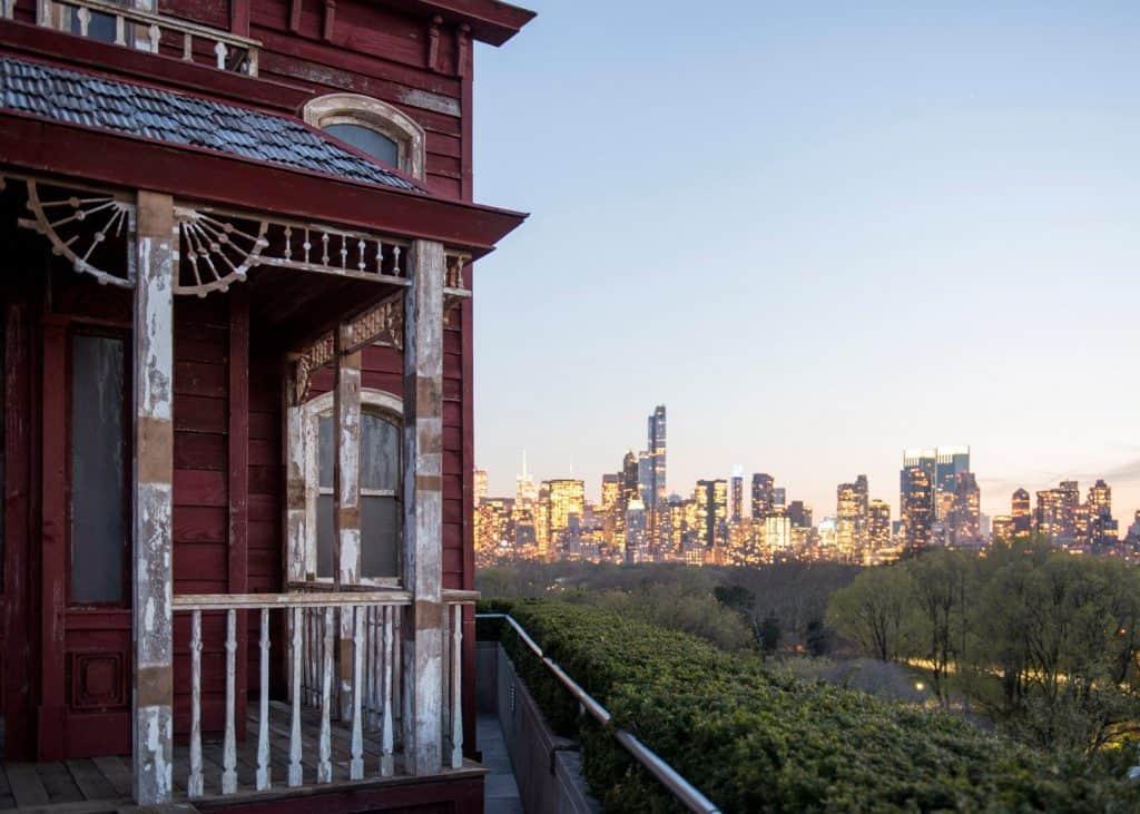 transitional-object-psychobarn-cornelia-parker-met-roof-garden-installation-new-york-usa_dezeen_1568_1 copy