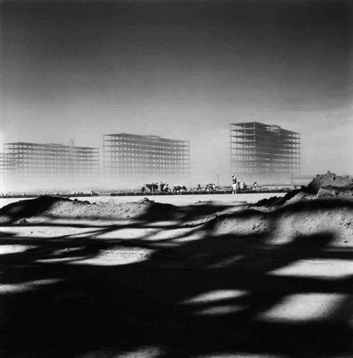 Esplanada dos Ministérios em construção. Brasília, 1958. Foto: Marcel Gautherot/IMS